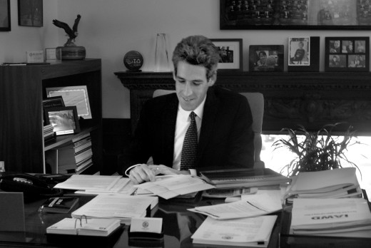 State Sen. Daniel Biss plans to run for state comptroller. He has introduced legislation that could expand access to food stamps and help with building more green infrastructure.                  Photo by Clare Howard